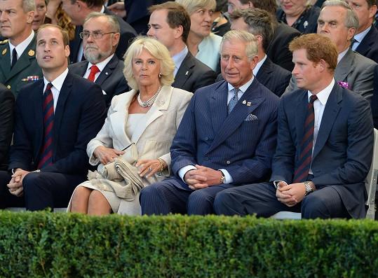Princ Charles s manželkou Camillou a syny Williamem a Harrym