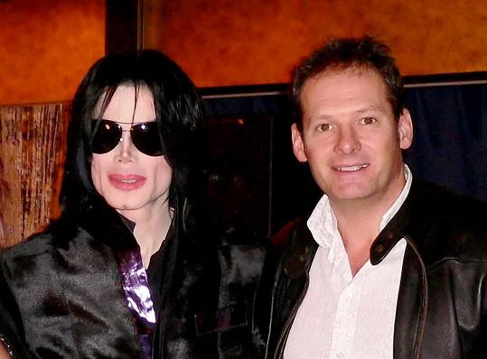 Michael s kamarádem a otcem jeho malé múzy Markem Lesterem.
