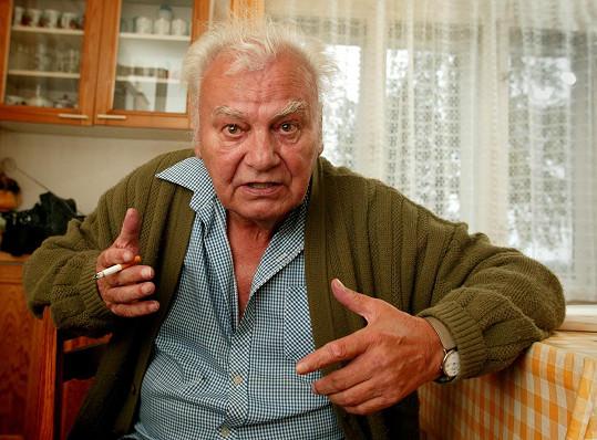 Petr Haničinec ho během natáčení topil ve vaně. Hlušička prý měl pocit, že se topí doopravdy.