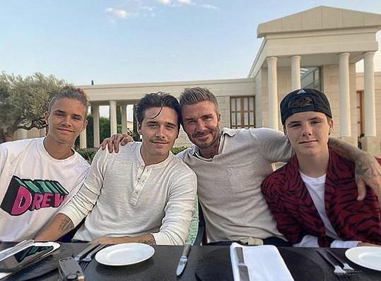 Se svými třemi syny.