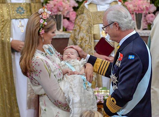 Na křest dohlížel dědeček Carl XVI. Gustaf.