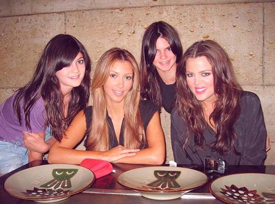 Od dětství prošla velkou proměnou, zleva: Kylie, Kim Kardashian, Kendall Jenner, Khloé Kardashian