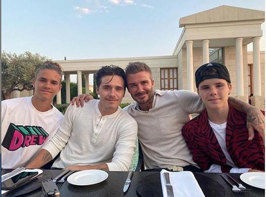 Se svými bratry a otcem Davidem