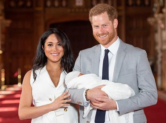 O rok později se jim narodil syn Archie.