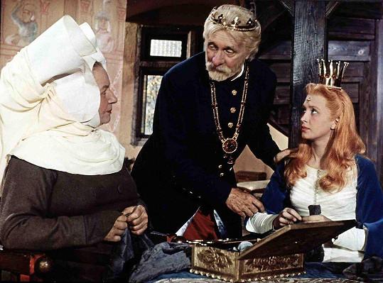 Jarmila Kurandová, František Smolík a Marie Kyselková ve filmu Princezna se Zlatou hvězdou (1959)