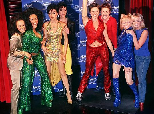 Se Spice Girls v dobách největší slávy a s jejich voskovými figurínami v muzeu Madame Tussauds.