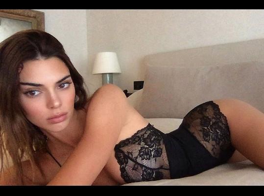 Kendall Jenner vzbudila rozruch fotkou v prádle.