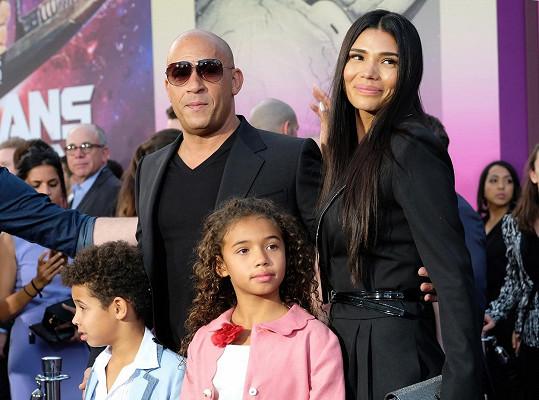 Objevila se nyní v Hollywoodu na premiéře akčního bijáku Strážci galaxie 2, v němž její manžel Vin Diesel (49) ztvárnil jednu z hlavních postav.