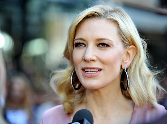 Cate Blanchett pořídila svým třem synům sestřičku.