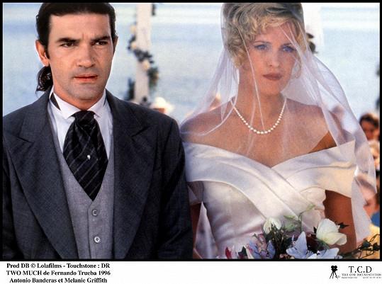 Byli manželi v reálu i na plátně. Snímek z filmu Jedna navíc (1995)