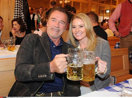 Herec vzal na Oktoberfest i svou přítelkyni.