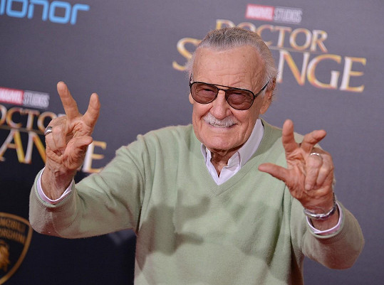 Stan Lee na premiéře filmu Doctor Strange