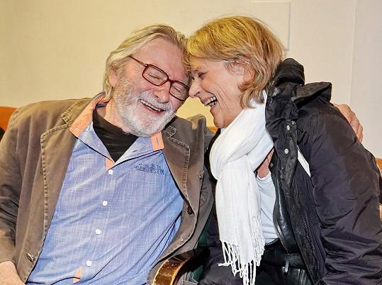 Úsměv na tváři mu vykouzlila také herečka Taťjana Medvecká.