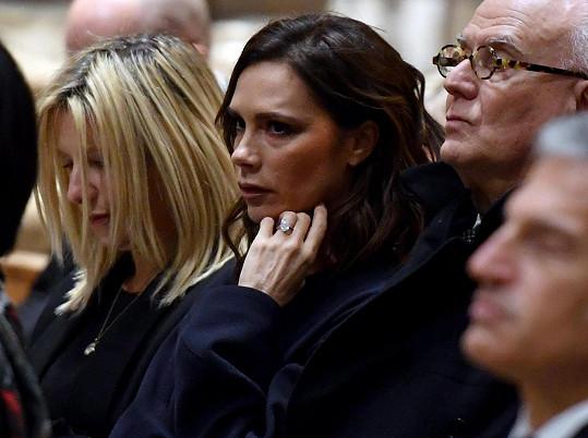 Victorie Beckham se úmrtí Sozzani velmi dotklo.