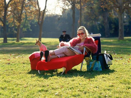 Reese ve filmu Pravá blondýnka (2001)