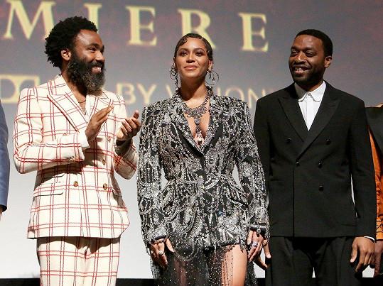 S Donaldem Gloverem (vlevo) nazpívali pro film společný duet.