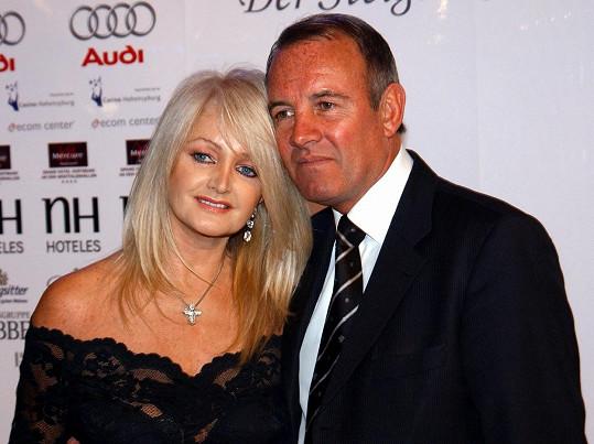 Bonnie Tyler s manželem Robertem Sullivanem. Vzali se v roce 1973 a jejich manželství zůstalo bezdětné.