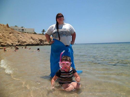 Dříve se Ilona styděla jít do plavek.