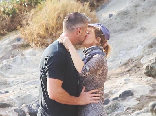Renée Zellweger s Antem Ansteadem vyrazili na kalifornskou pláž.