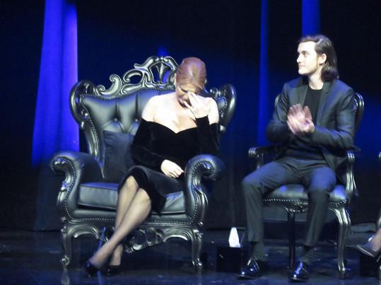 Oporou byl mamince na pódiu nejstarší syn Dion a Angelila René Charles.
