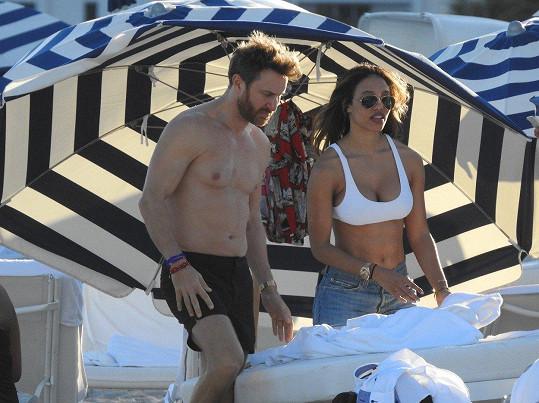 V Miami mu dělala společnost přítelkyně Jessica Ledon.