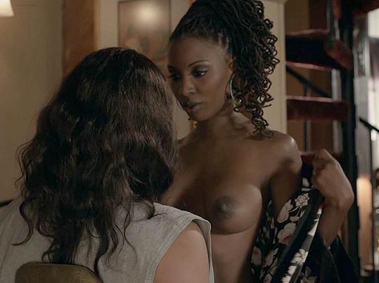 Shanola Hampton se ukázala nahoře bez v seriálu Shameless.