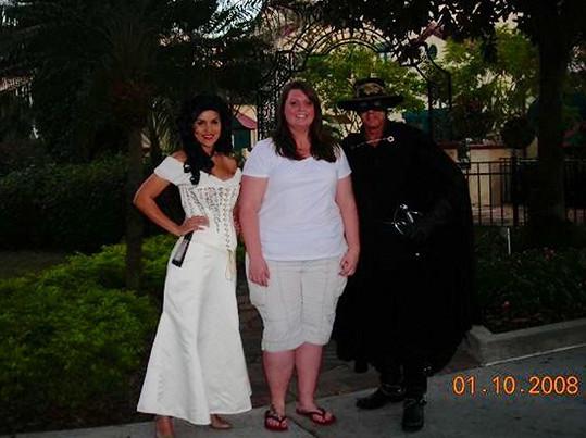 Stephanie Seabrook s přáteli dřív...