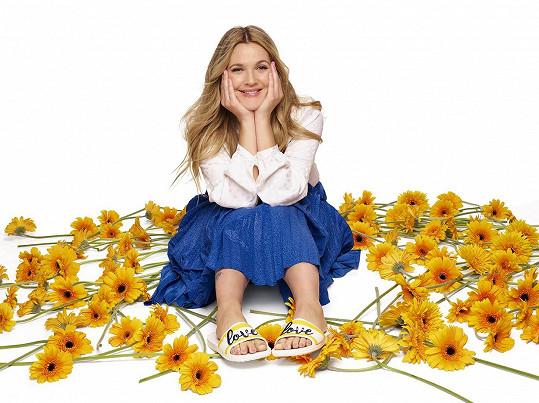 Dnes je z Drew nejen úspěšná herečka a producentka, ale také moderátorka a podnikatelka.