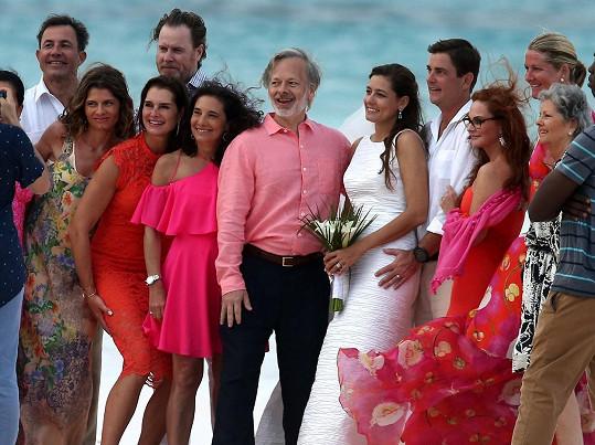 Na Bahamách se minulý týden vdávala její sestra.