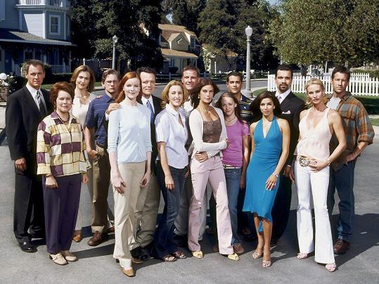 Enormně úspěšný byl také seriál Zoufalé manželky, v němž Hatcher hrála jednu z hlavních rolí Susan.