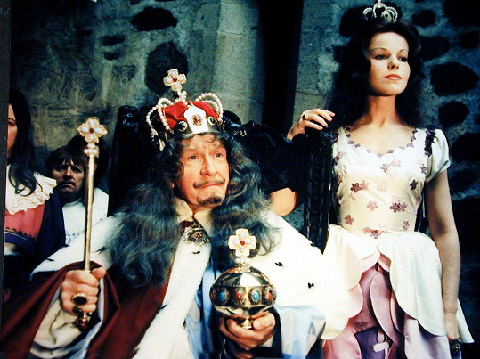 Jorga Kotrbová v pohádce Honza málem králem (1977). Na snímku s Františkem Filipovským