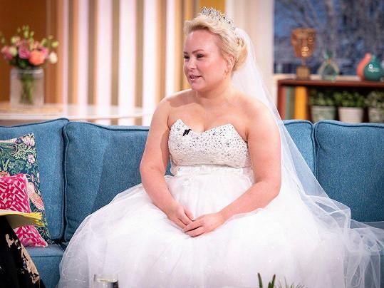 Theresa Mahon má na svatbu připravené vše kromě ženicha.