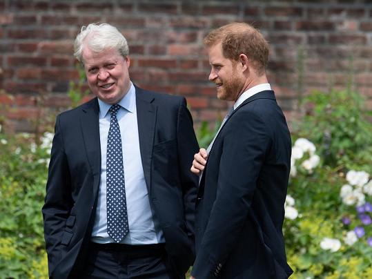 Dianin bratr, hrabě Charles Spencer, a princ Harry při slavnostním odhalení sochy