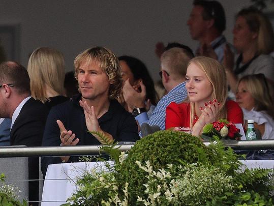 Pavel Nedvěd s parkurovou jezdkyní Lucií Anovčínovou bedlivě sledovali závod v Londýně.
