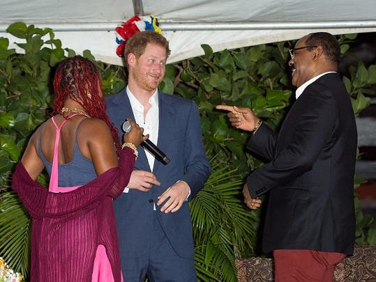 Premiér ostrova pozval prince i s budoucí princeznou na Antiguu na líbánky...