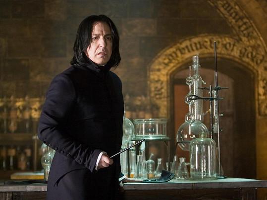 Ve své nejslavnější roli Severuse Snapa.
