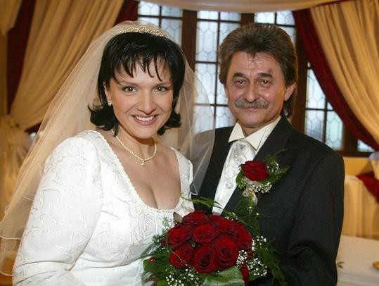 Jiří Brabec by se letos dožil 75. narozenin. Na snímku s novomanželkou Šárkou Rezkovou