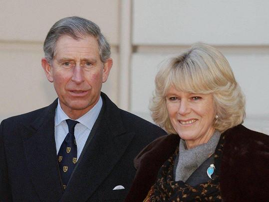 Australan tvrdí, že princ Charles a vévodkyně Camilla jsou jeho rodiče.