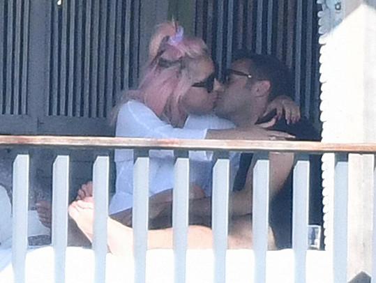 Lady Gaga je znovu zamilovaná.