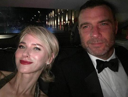 S manželem Lievem Schreiberem (50) se rozešla koncem roku 2016 po jedenácti letech. Tento společný snímek je z listopadu toho roku.