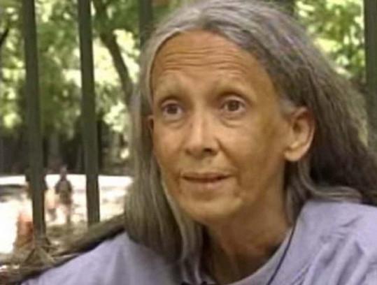 Posledních 15 let žila jako bezdomovkyně.