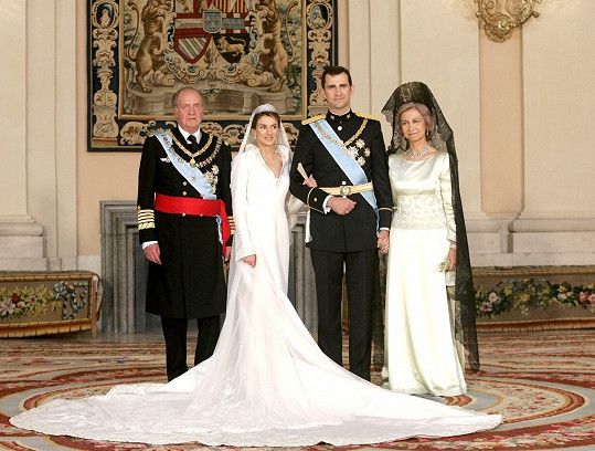 Svatební foto Letizie a krále Felipeho VI. z roku 2004