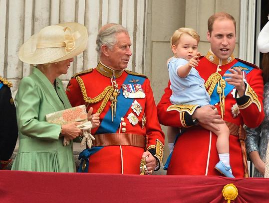 První, druhý i třetí následník britského trůnu na jedné fotografii...