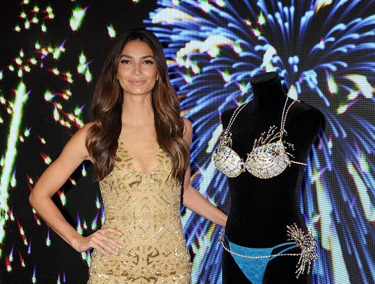 Lily Aldridge předvedla luxusní prádlo inspirované ohňostrojem.