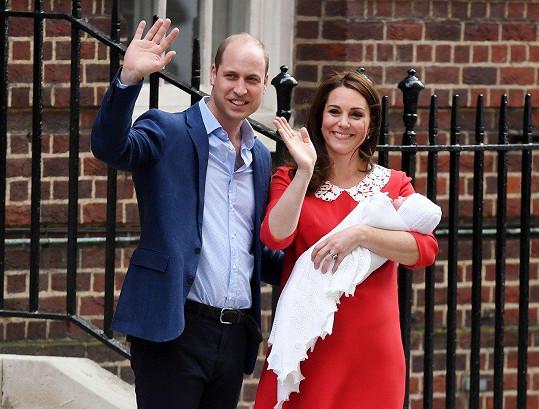 Přešťastní Kate a William s novorozeným princem Louisem
