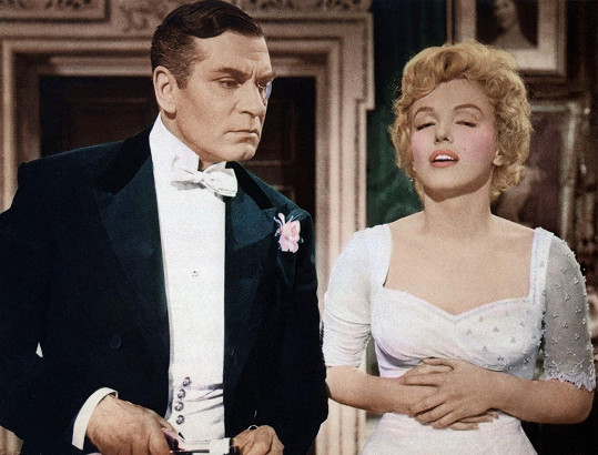 Laurence Olivier měl z Marilyn Monroe legraci, ta mu to ale nedarovala.