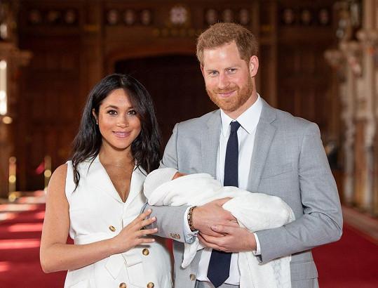 Královna popřála Archiemu sdílením archivního snímku a strhla se mela.