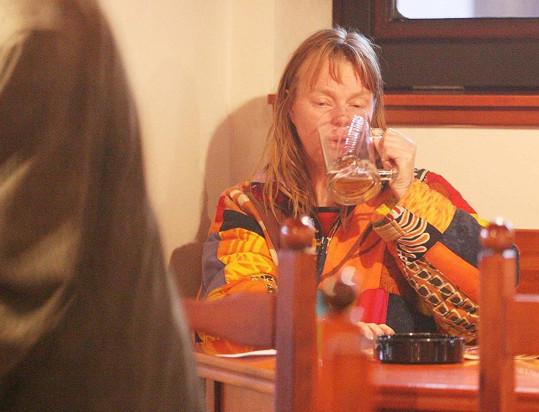 Lenka v časech, kdy se opíjela (2005)