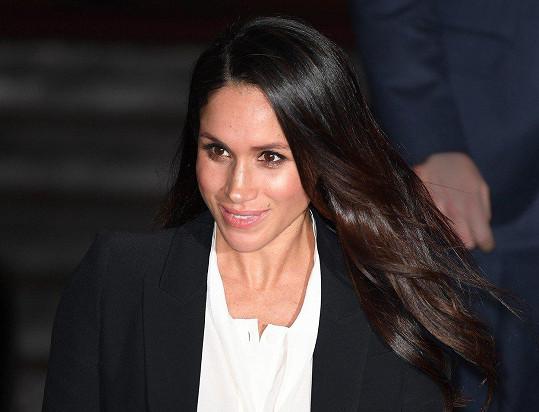 V květnu se z herečky Meghan stane členka britské královské rodiny. Už teď plní společenské povinnosti.