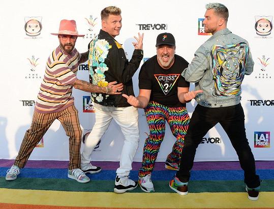 Ze spojení členů dvou kapel vzniklo seskupení Back-SYNC.